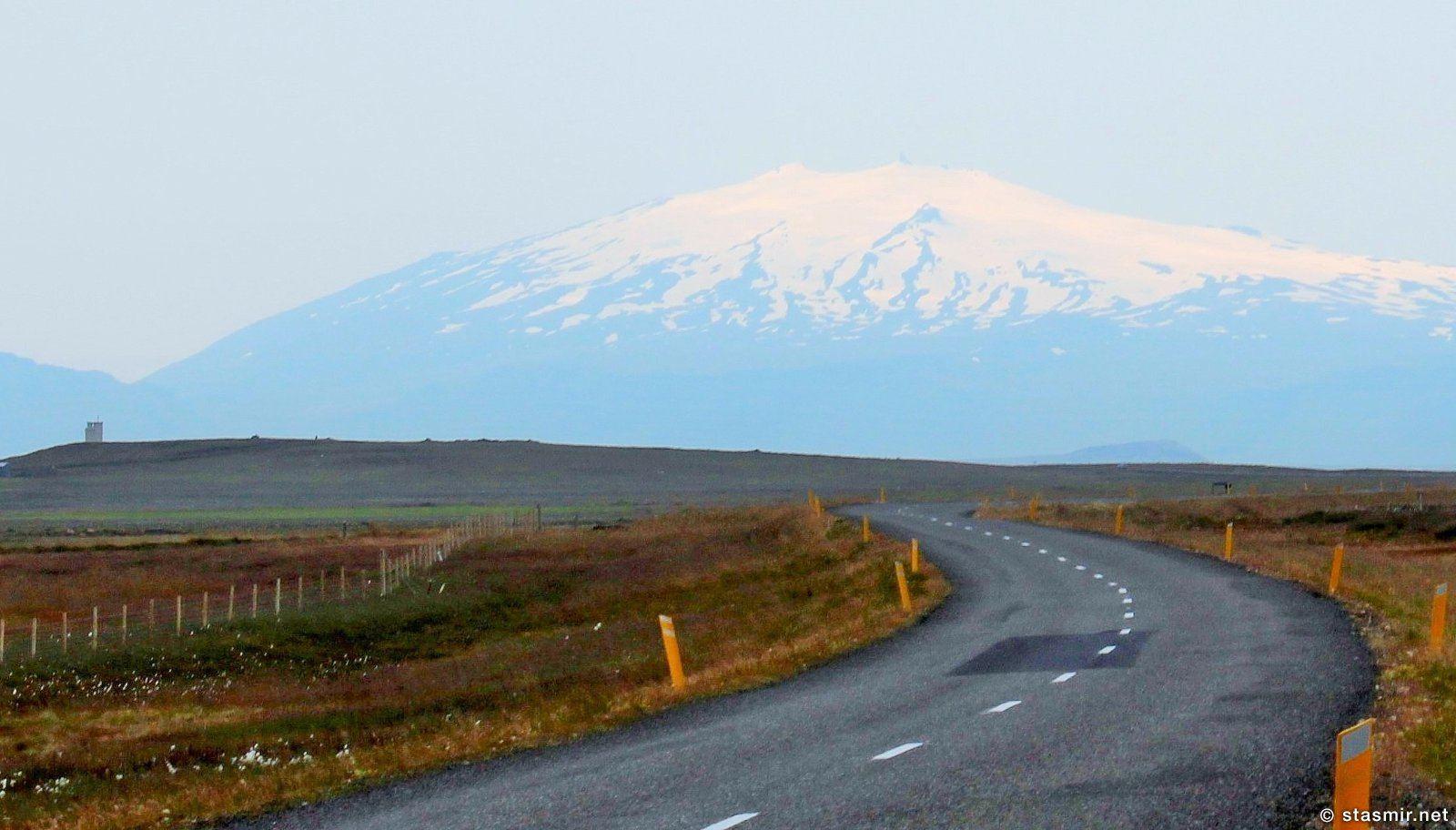 Дорога на Полуострове Снайфедльснес в Регионе Вестурланд, Западная Исландия, Магический полуостров Снайфедльснес, гора-вулкан Снайфедльснес, фото Стасмир, Photo Stasmir