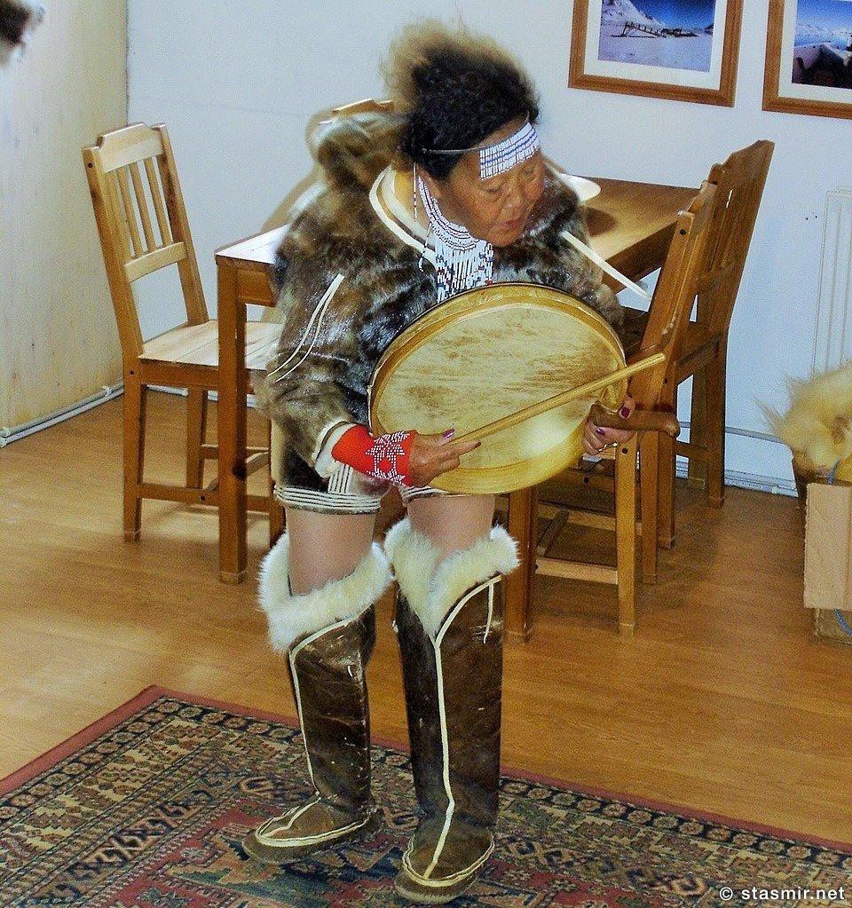 Шаманский танец, Гренландия - Кулусук - лет 25 назад, фото Стасмир, photo Stasmir