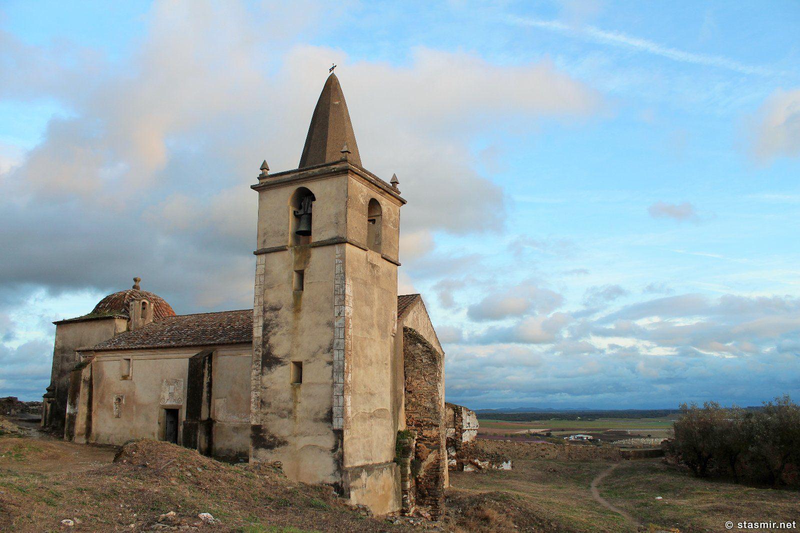 разрушенный замок Castelo de Juromenha - самое интересное, что я видел в Алентежу, Португалии, фото Стасмир, photo Stasmir