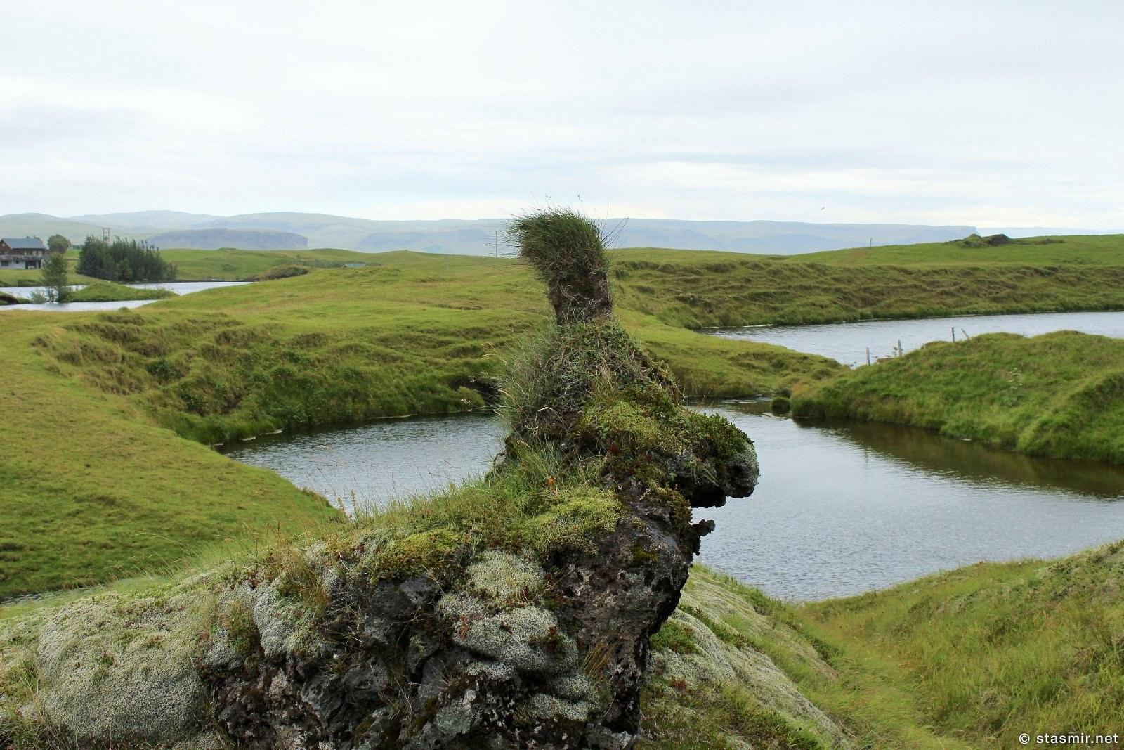 головы троллей на поле лавы возле Киркьюбайярклёйстюр, Исландия, фото Стасмир, Photo Stasmir