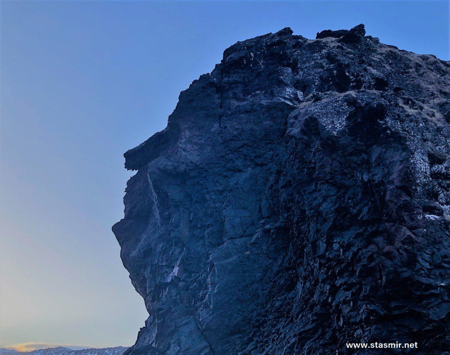 shining: Екатерина 2 в скалах в Исландии, фото Стасмир, photo Stasmir