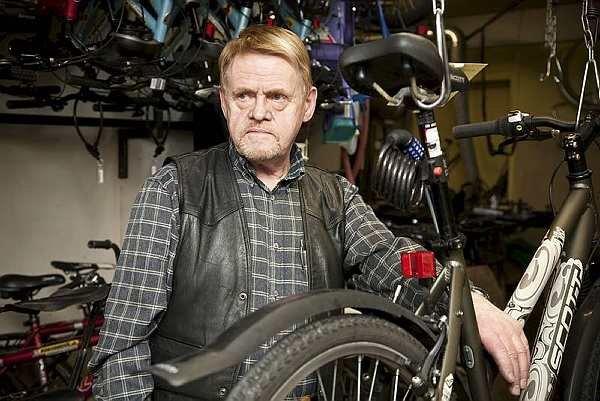 Викинг веников не вяжет, фотография велосипедного мастера-юдофоба из Исландии