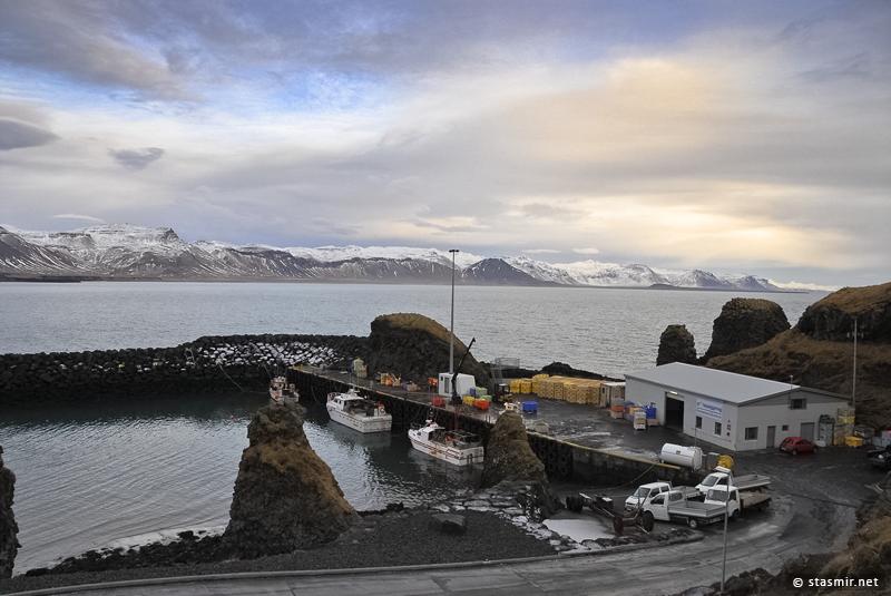 База мелкого рыболовного флота на полуострове Снайфедльснес – Арнастапи (Arnastapi)