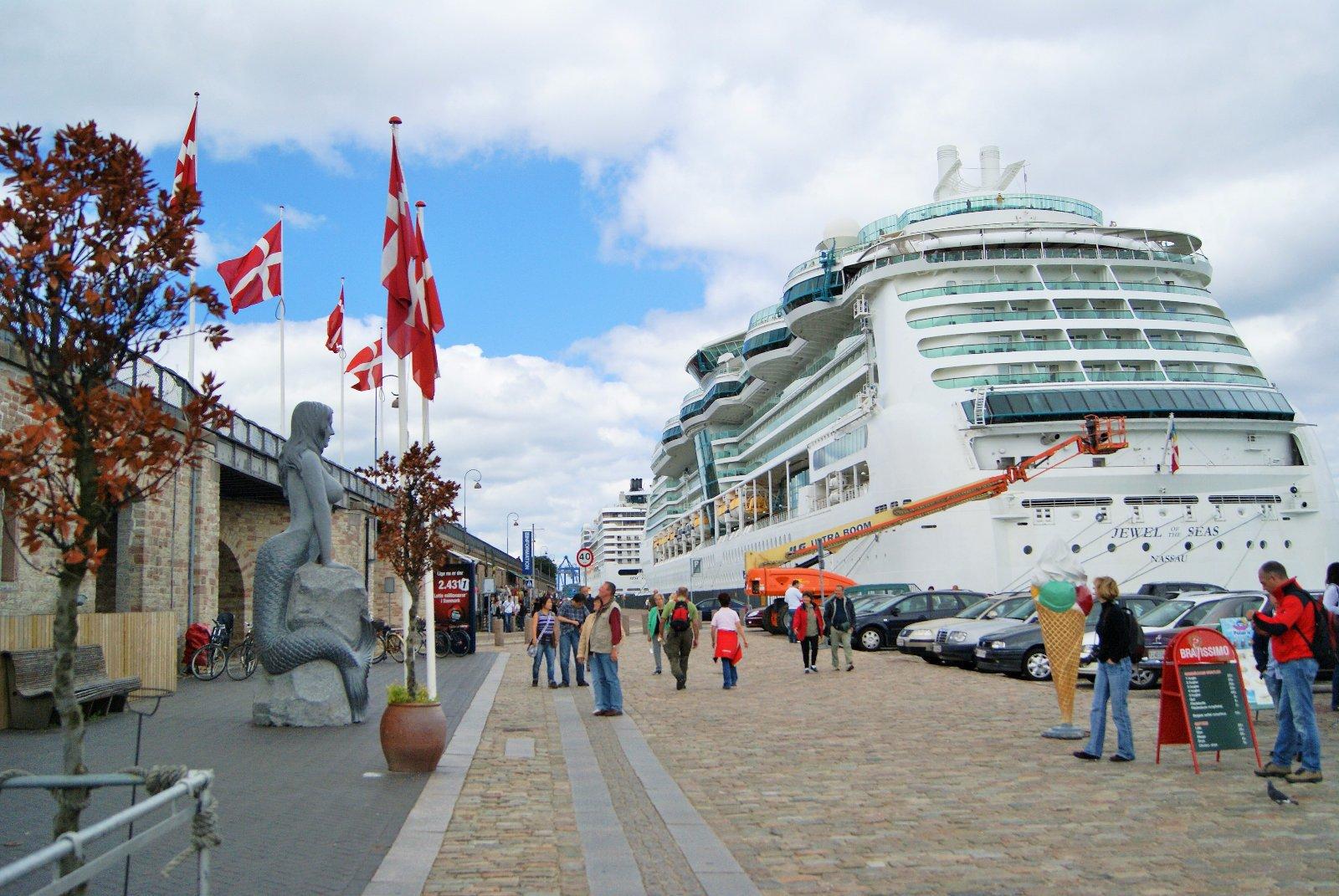круизный пароход, флаг Дании, Dannebrog1, Копенгаген, столица Дании, Станислав Смирнов, Стасмир, Стасмир Трэвэл