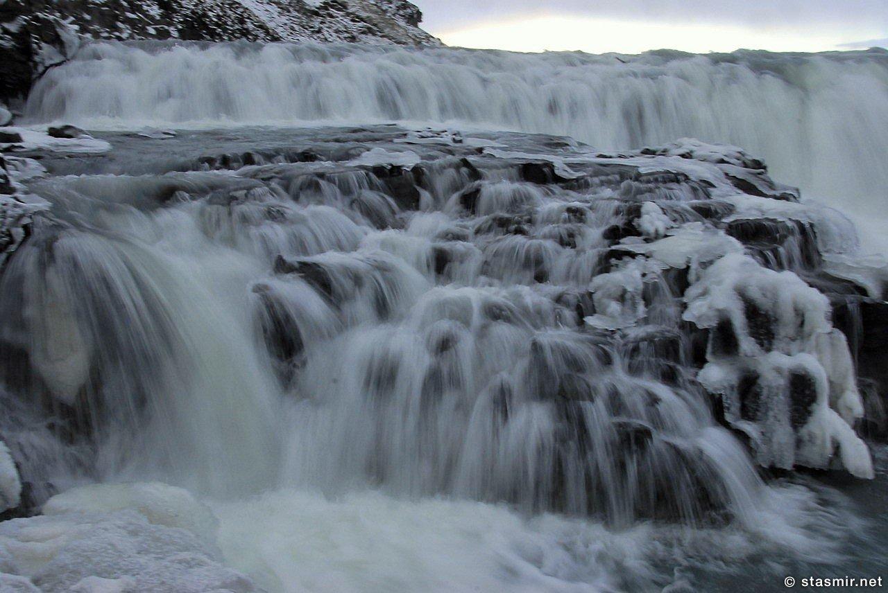 Гютльфосс или Гюдльфосс - иначе Золотой Водопад - зимой, Фото Куров