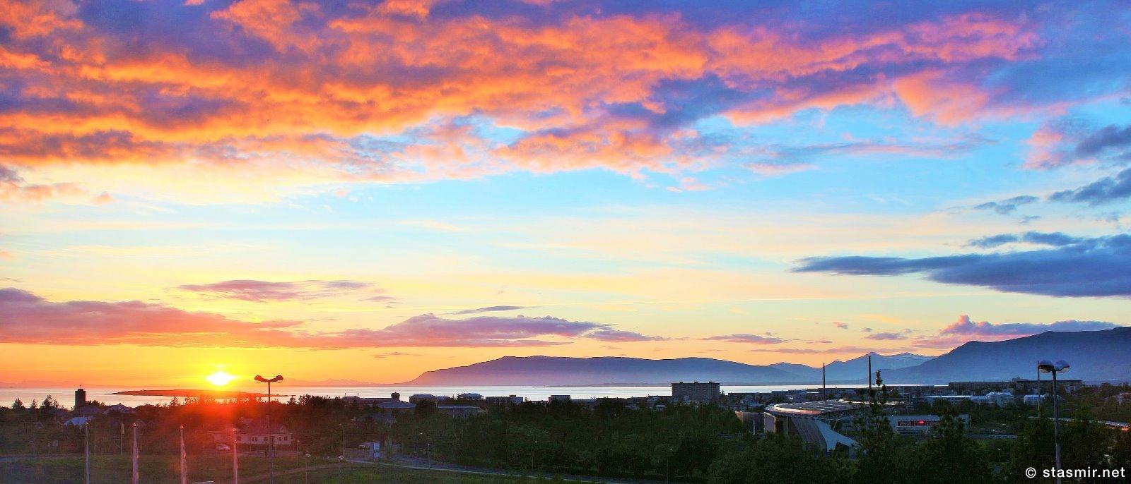 Вид на залив Факсафлоу из окна отеля, белые ночи в Исландии, фото Стасмир, Photo Stasmir