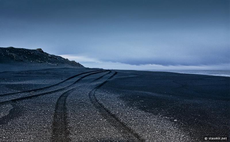 Покатушки на черных песках в районе Reynisfjara