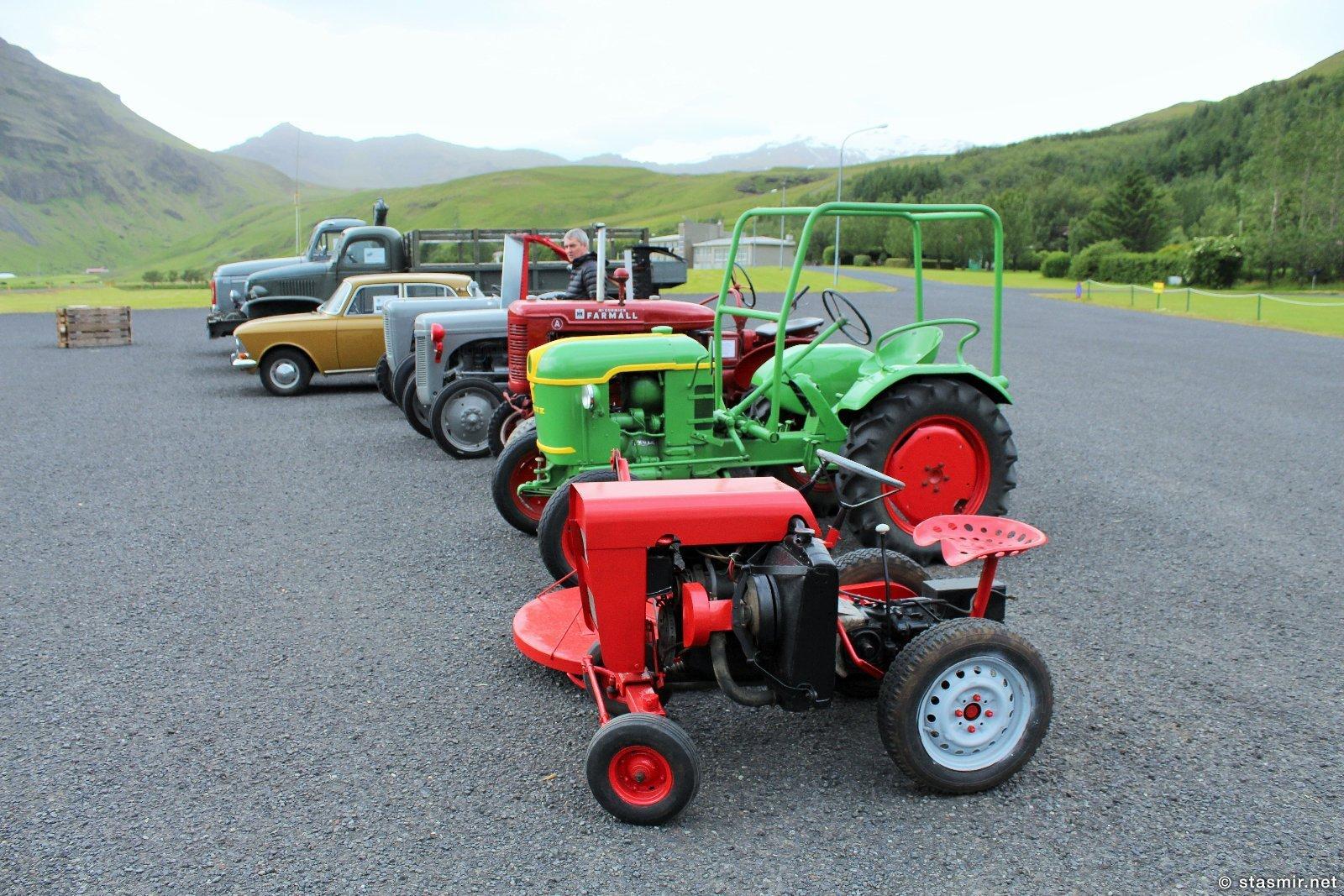 Трактора, Москвич, Волво, Студебекер в музее Скоугар, Южная Исландия, Фото Стасмир, Photo Stasmir