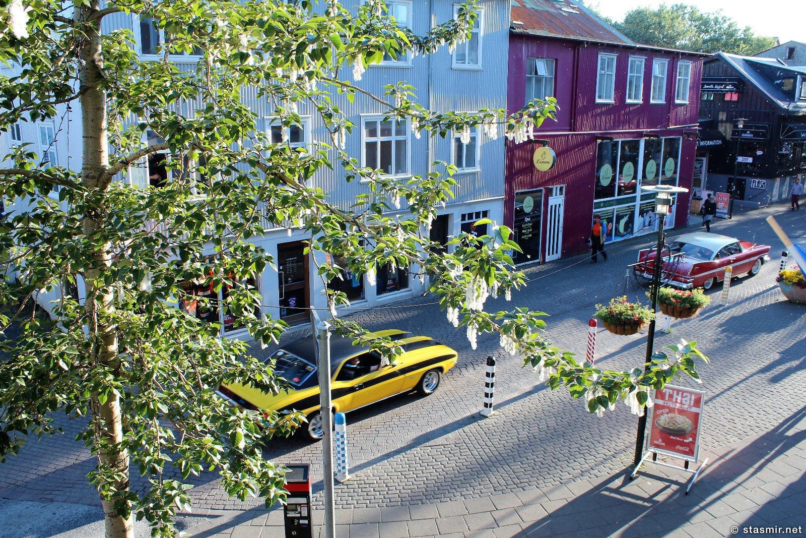 шествие антикварных авто по главной улице Рейкьявика - Лёйгавегюр, фото Стасмир, photo Stasmir