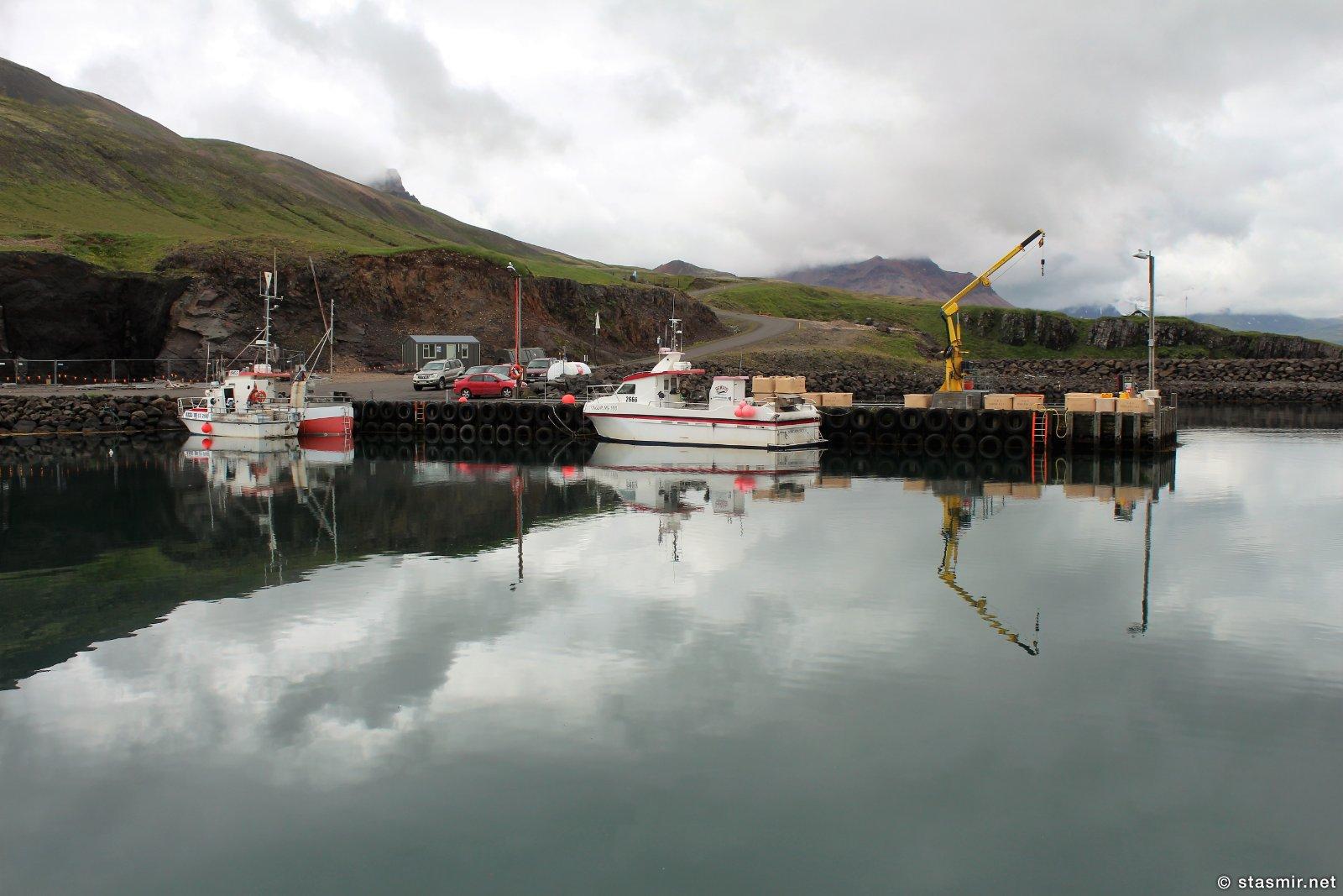 Borgarfjarðarhöfn - это гавань в нескольких километрах от самого города, фото Стасмир, Photo Stasmir