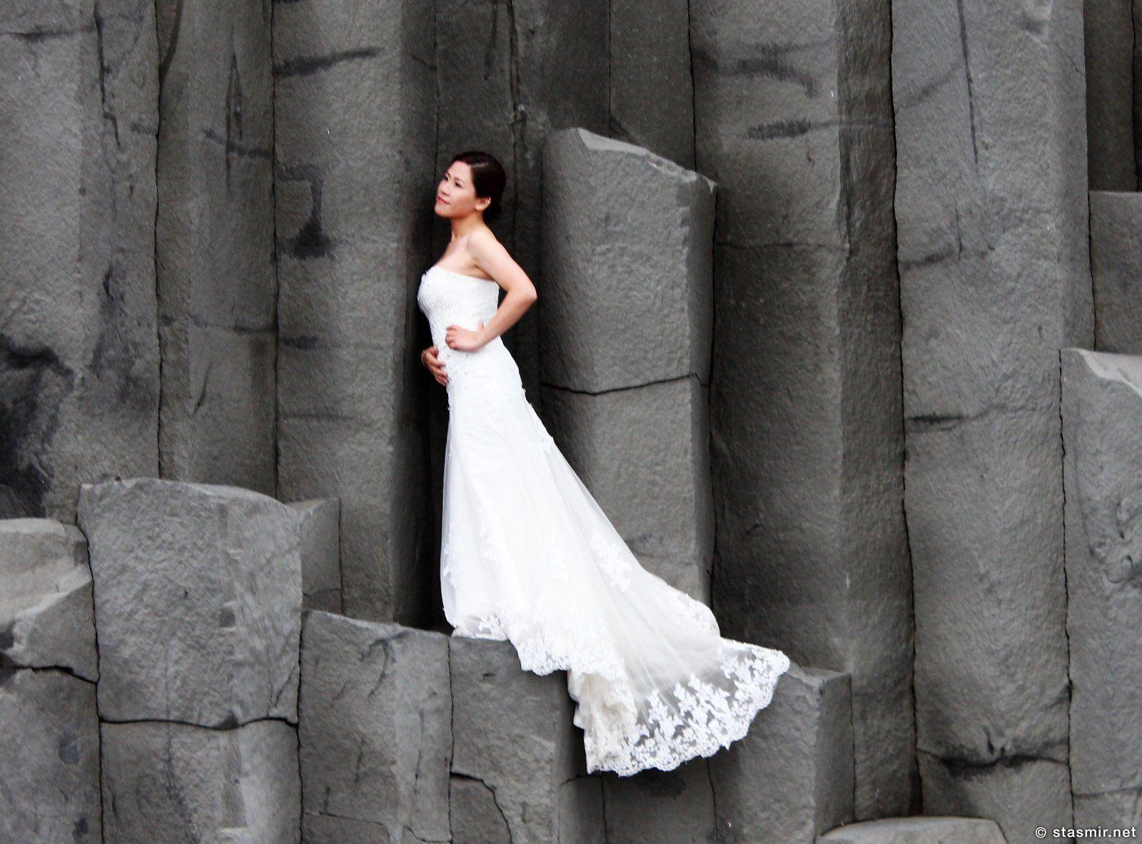 китайская невеста на черном пляже Рейнисфйаура в Исландии, Reynisfjára, фото Стасмир, photo Stasmir