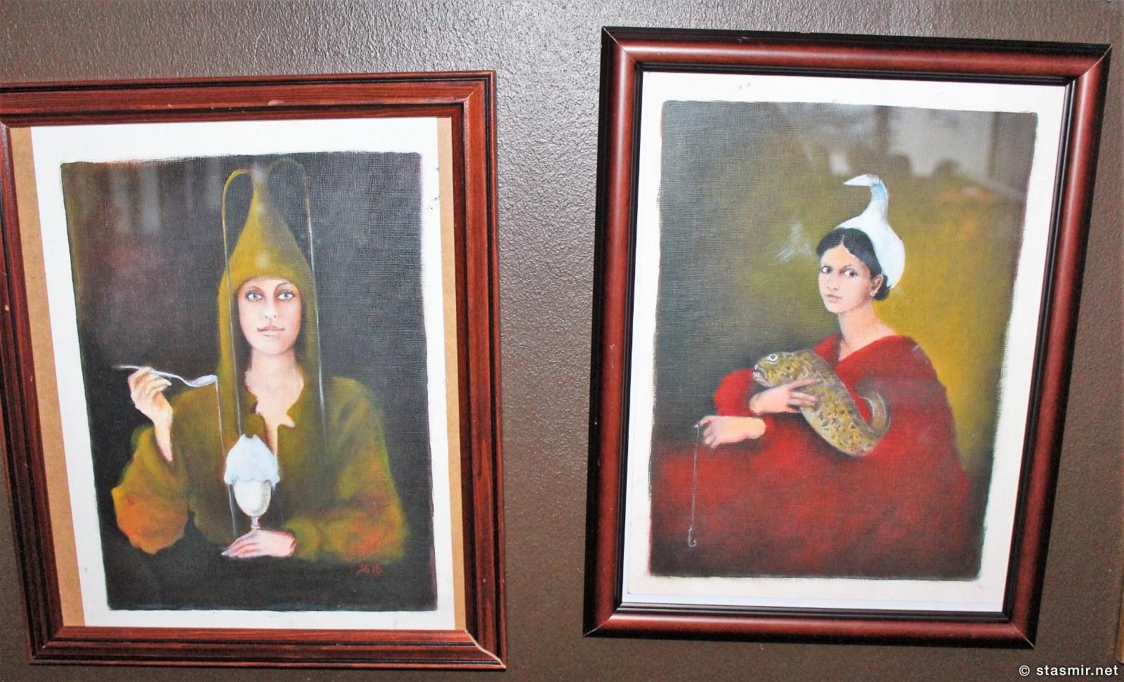 Мистические женщины-рыбы из фойе отеля Будир на полуострове Снайфедльснес, Snæfellsnes, имя дамы-художницы, клянусь, не помню, фото Стасмир, photo Stasmir