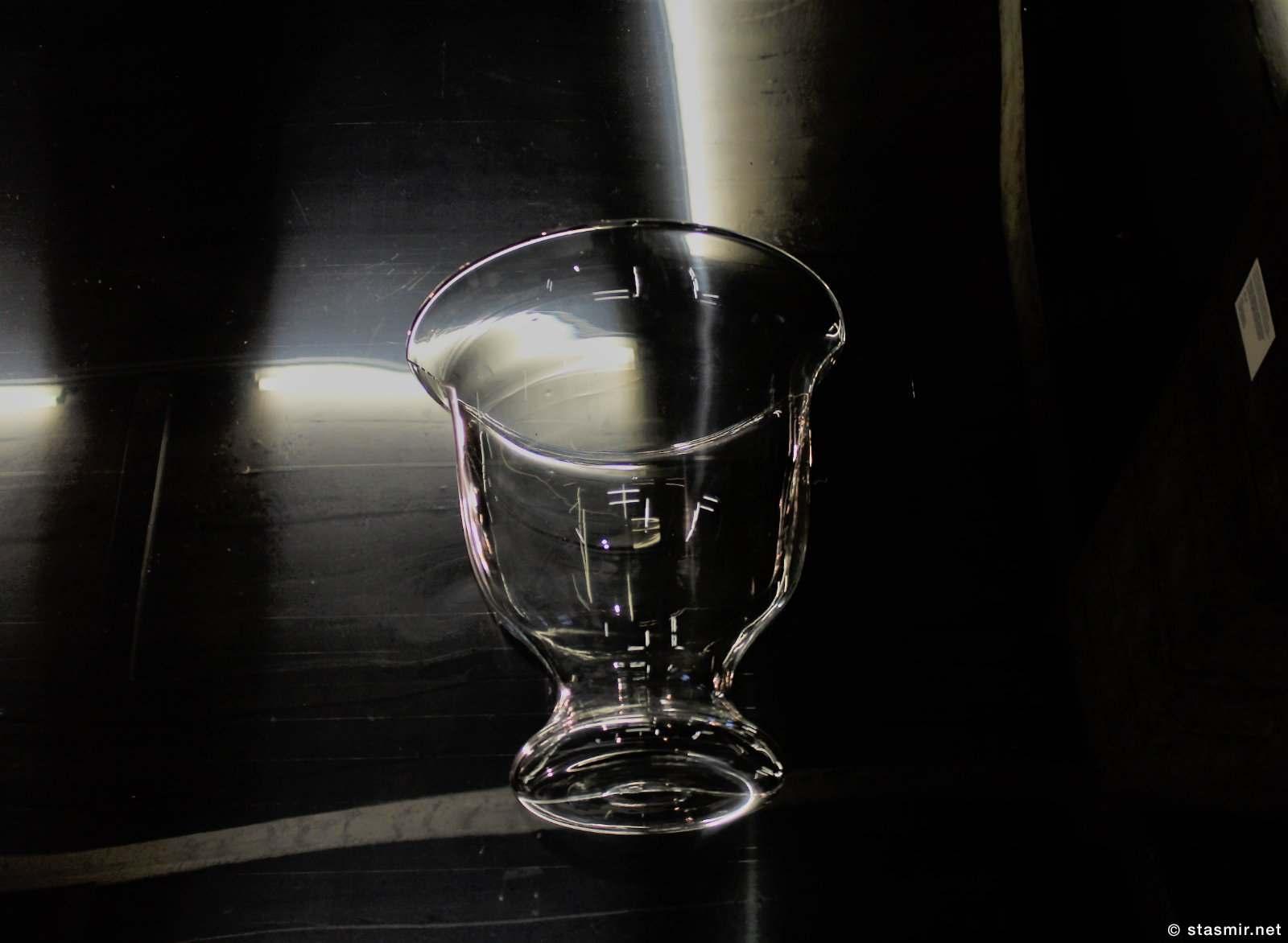 Чёрный свет с какой-то выставки в Рейкьвике, фото Стасмир, photo Stasmir