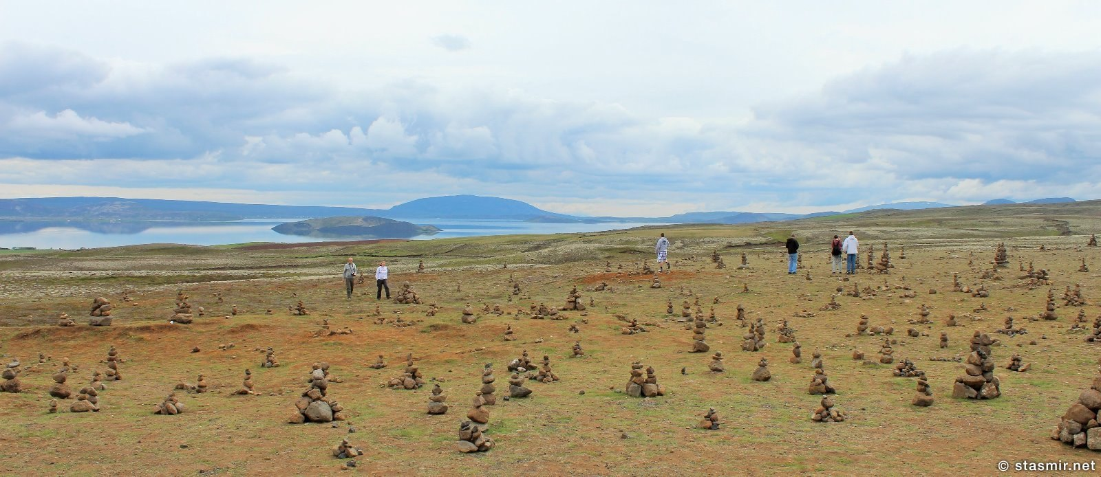 Пирамидки у озера Тингватлаватн, Исландия, фото Стасмир, Photo Stasmir