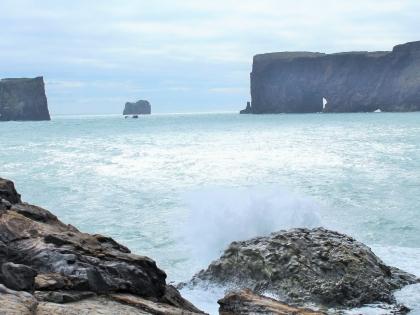Дирхоулаэй, Южный Берег Исландии - волны крошат берег, фото Стасмир, Photo Stasmir