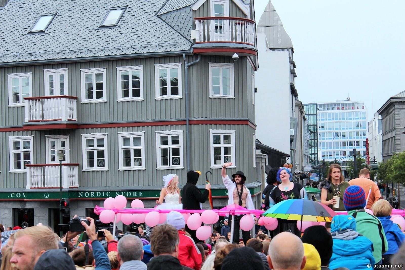 Гей-прайд 2015, Рейкьявик, геи в Исландии, Рейкьявик, Исландия, столица Исландии, главная улица Рейкьявика, гей-прайд 2015 в Исландии, исландцы, отшельники Атлантики, магазины Исландии, Photo Stasmir