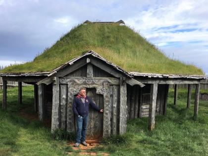 Голливудская деревня викингов в Исландии, фото Стасмир, photo Stasmir, регион Восточная Исландия, землянка викинга, декорации деревни викингов для съемок голлвудского фильма в Исландии