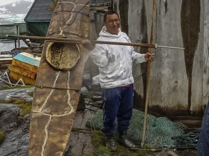 Гренландия, Greenland, Кулусук, Kulusuk, традиционный каяк, гарпун, инуит, фото Стасмир, photo Stasmir