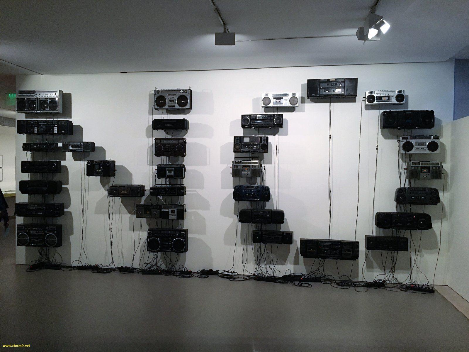 нет, нет, нет - мы хотим сегодня. Инсталляция в Лиссабоне. Фото Стасмир, photo Stasmir