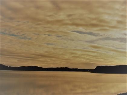 Кровавый закат на берегах безлюдного острова Клейварватн, фото Стасмир, photo Stasmir
