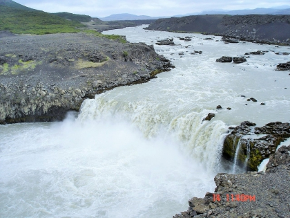 Landmannalaugar, Ландманналёйгар, Лундаманналаугар, джип-сафари, Исландия, фото Стасмир, photo Stasmir, водопад Тьоувафосс, Þjófafoss , река  Тйоурсау, пороги на реке