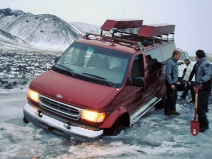 Е350 провалился под лед, Landmannalaugar, Ландманналёйгар, Лундаманналаугар, джип-сафари, Исландия, фото Стасмир, photo Stasmir,