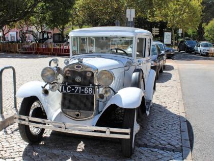 Oh Lord, won't you buy me... хотя бы Форда), фото Стасмир, photo Stasmir, старый Форда на улицах Португалии