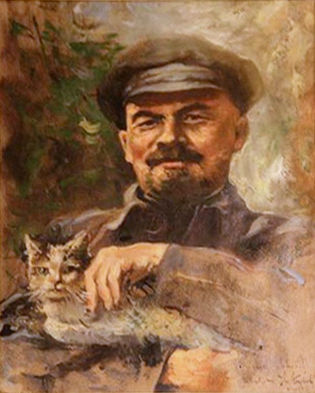 Ленин с киской. Amsterdam Cat Museum. Lenin De Kattenkabinet