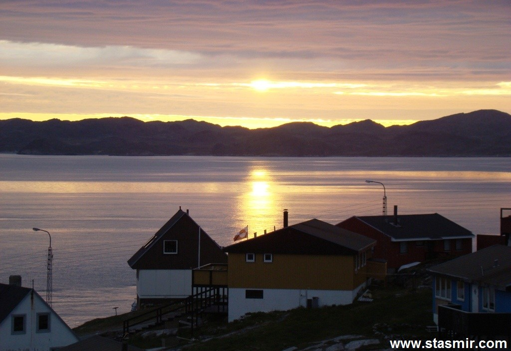 Sunset in Nuuk, Нуук, столица Гренландии, стасмир