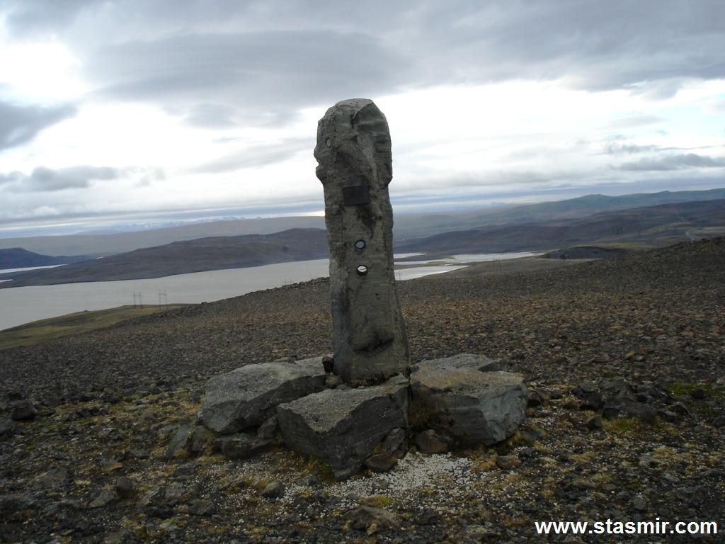 highland, Исландское высокогорье, Ландманналойгюр, памятник строителям дорог, фото Стасмир, photo Stasmir