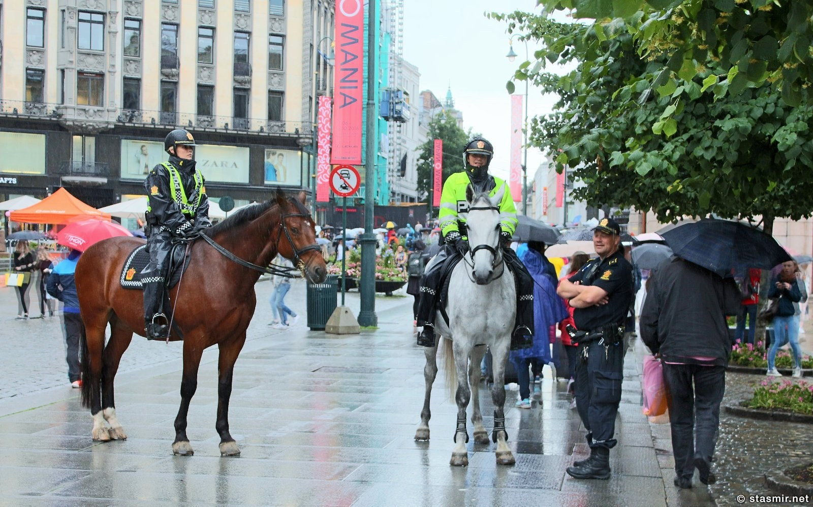 норвежские конные полицейские в Осло, фото Стасмир, photo Stasmir