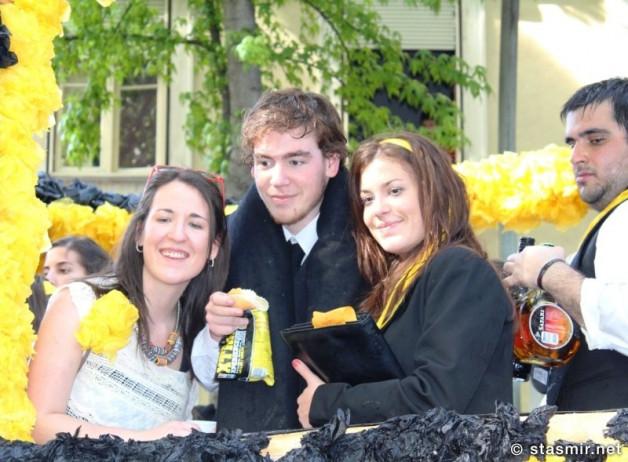 sober looking folk: must b xchange students
