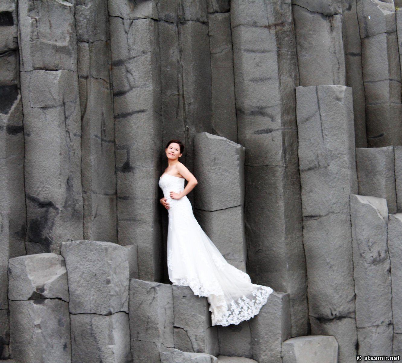 Китайская невеста на базальтовых столбах на Рейнисфйаура, фото Стасмир, photo Stasmir