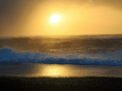 Волны на Рейнисфьяре зимой, фото Стасмир, photo Stasmir