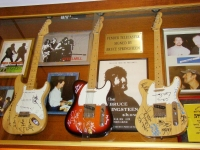 Bruce Springsteen's guitars at Lago Maggiore, photo Stasmir, фото Стасмир,