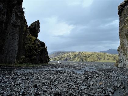 По пути к Торсморку лежит река и живописный пеший маршрут, Тоурсмёрк, Торсморк, Þórsmörk, фото Стасмир, photo Stasmir
