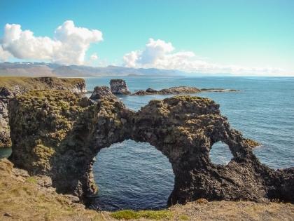 Магический полуостров Снайфельснес. Уникальные береговые формации, лежбища тюленей, величие ледника и малость человечности